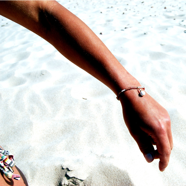 Bransoletka ręcznie robiona do aromaterapii 4morelove - Happiness Looks Gorgeous On You